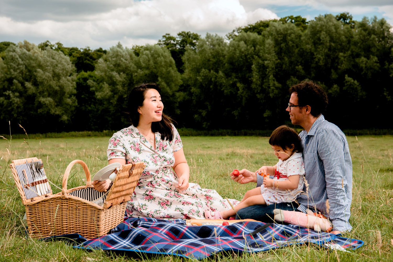 Having a picnic in the Cotswolds is the epitome of slow travel. It's nothing like the amazing race.