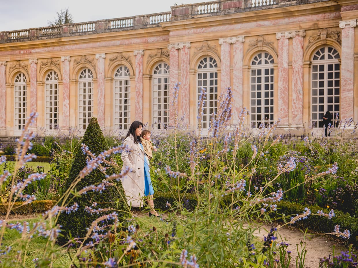 In October, there were still a few flowers in the versailles gardens.