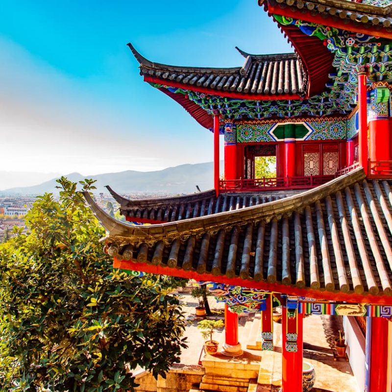 How to Visit Mufu Palace in the Old Town of Lijiang, China