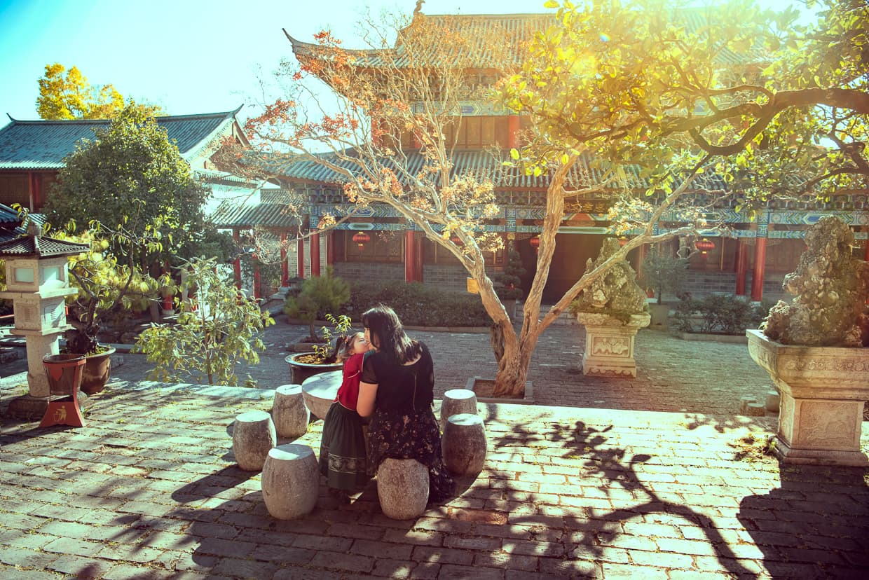 Enjoying an October visit to Lijiang's Mufu Palace.