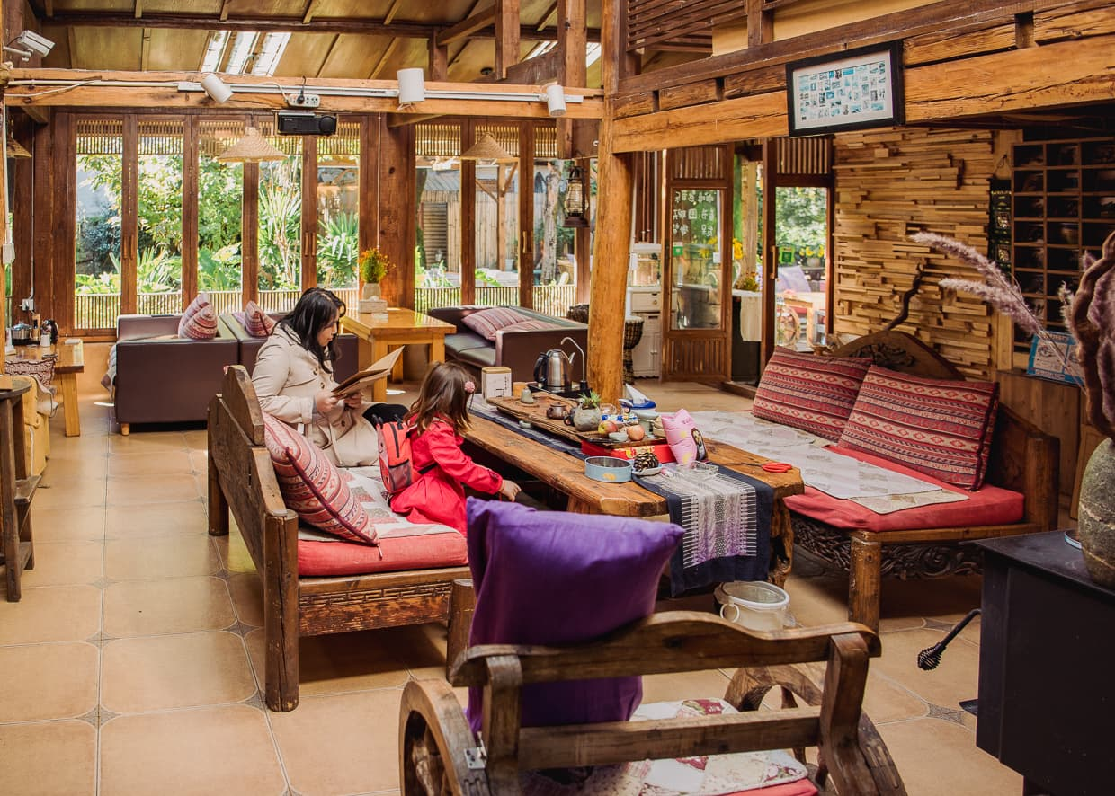 The lounge area in our Shuhe Guest House.