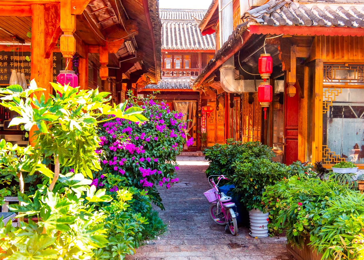 A quiet alley in the Lijiang Old Town.