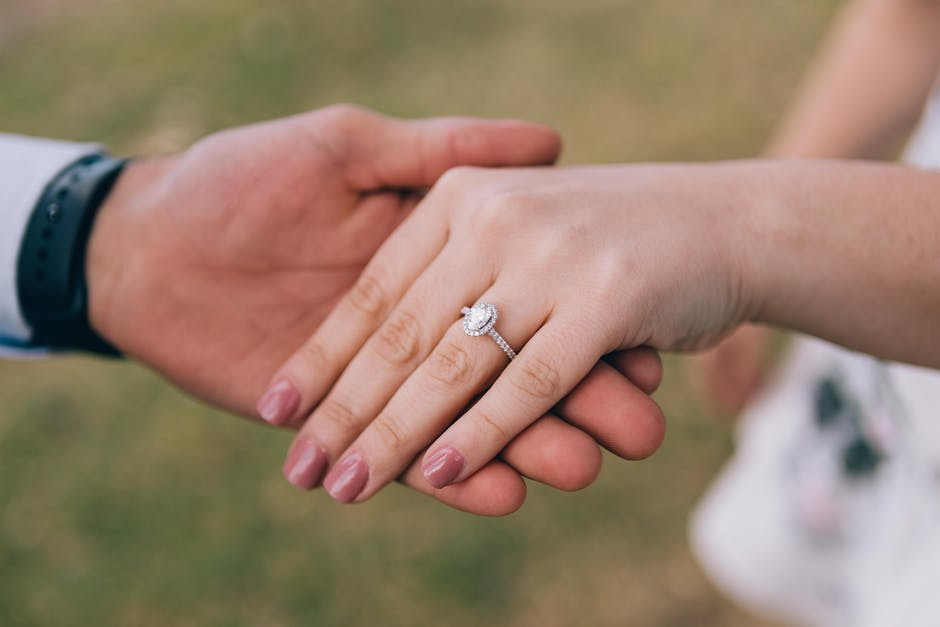 Find the Perfect Lab Diamond Engagement Ring