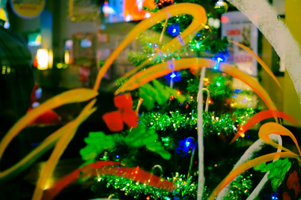 Window Art and Christmas Tree-Pixrly.com