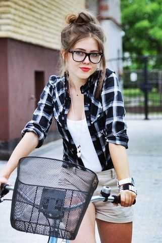 8bb5182c4c2d5db007f1bfbb4575ff06--geek-chic-outfits-nerd-outfits