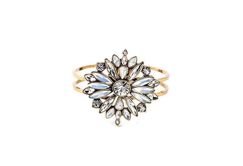 Avery and May Statement Collection Star Burst Bracelet