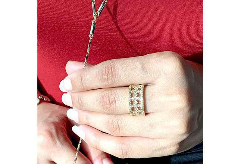 Avery and May Debutante Collection Princess Band Ring