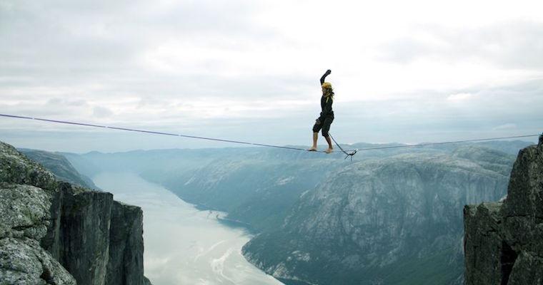 slack line mountain climber