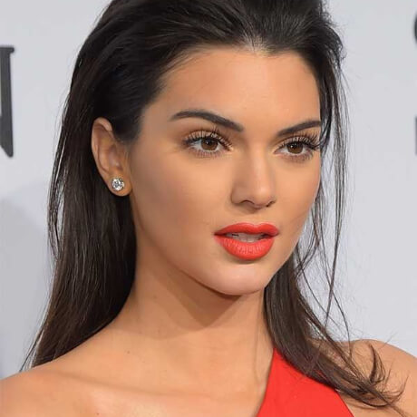 plastic surgery photo of kendall jenner