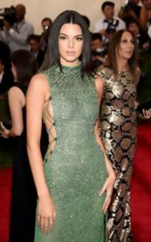 blonde kendall jenner met gala 2018 dress
