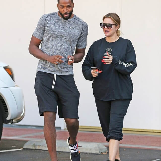 khloe kardashian pregnant photo picture