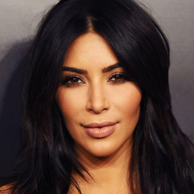 kim kardashian face mexico