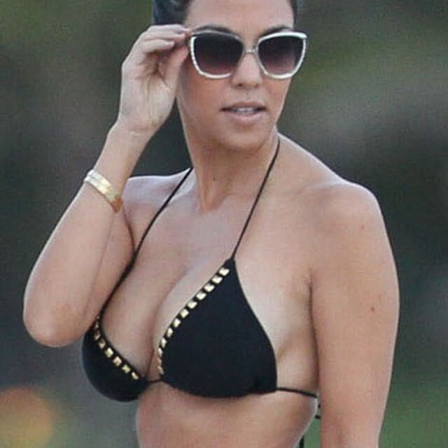 bikini photos kourtney kardashian
