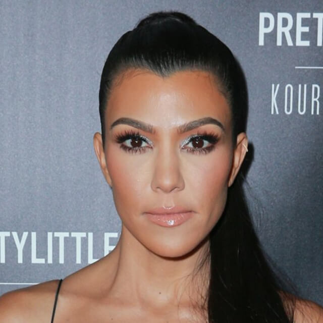 kourtney kardashian face pic
