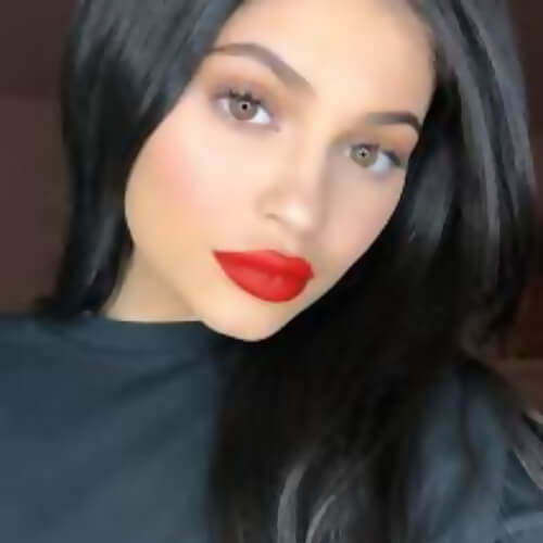 image of kylie jenner face