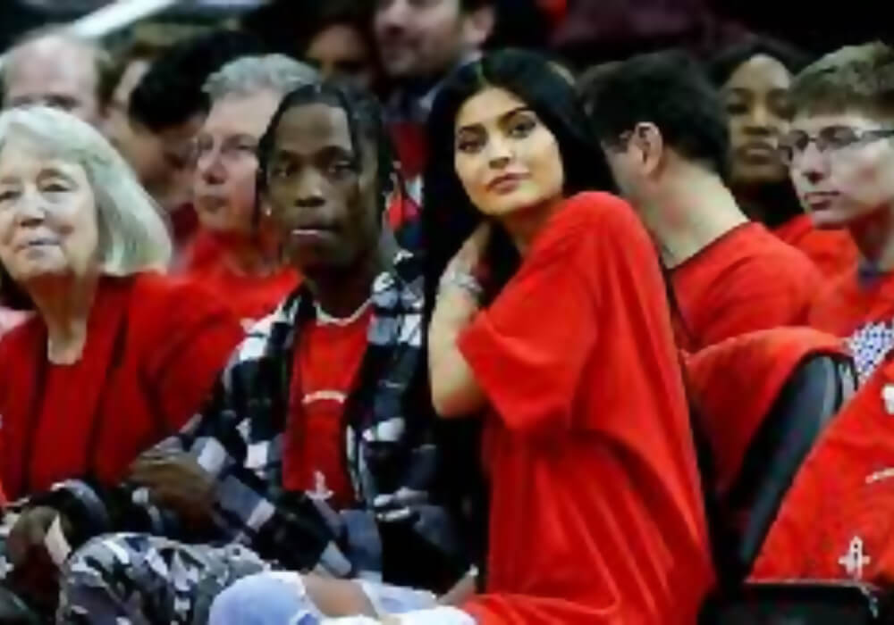 sexy kylie jenner with travis scott