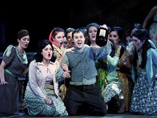Kmfa ut butler opera center the elixir of love 320x240