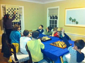 Children eager to learn from Irina Krush, top female international chess master <span>&copy; Debbie Heiser </span>