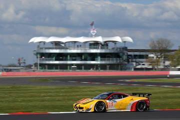 A Home Start <span>© JMW Motorsport </span>