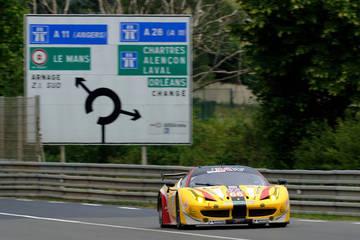 Back at Le Mans <span>© JMW Motorsport </span>