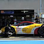 All hands on deck! <span>&copy; JMW Motorsport </span>