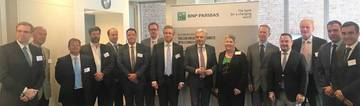H.E. Mr Didier Reynders (centre) & the Roundtable delegates <span>©  </span>