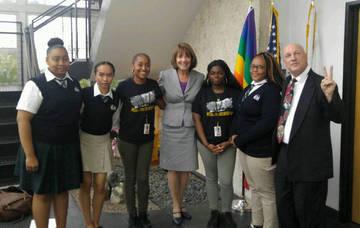 Rep. Susan Davis & San Diego DoP, Kids for Peace <span>&copy;  </span>