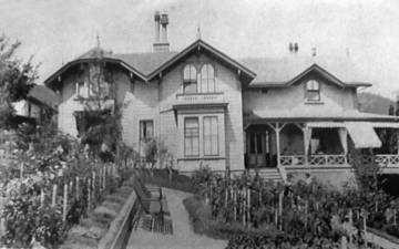 Main House Violet Terrace 1885 <span>&copy;  </span>