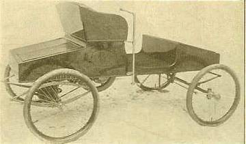 1901 Buffalo Runabout; tiller-driven. Though the vehicle depicted here is electric -and manufactured by a different automobile company- it would be similar to the runabout produced by the California Automobile Co. in 1901.   <span>&copy; Buffalo Auto & Bi Glo Co. </span>