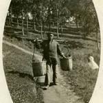 Chinese man in San Rafael, c.1909 <span>© Anne T. Kent Room </span>