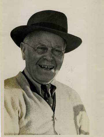 Portrait of William J. Thomas, Master Mechanic of the North Pacific Coast Railroad. & Mount Tamalpais & Muir Woods Railroad <span>&copy; Anne T. Kent Room </span>