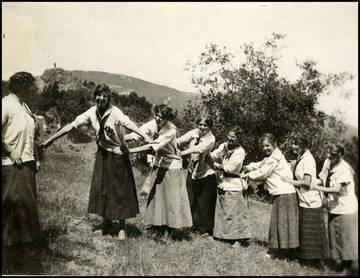 Romany Club members at Rock Springs, Mt. Tamalpais. Eva Nelson is the 2nd from the left. <span>&copy; Anne T. Kent Room </span>