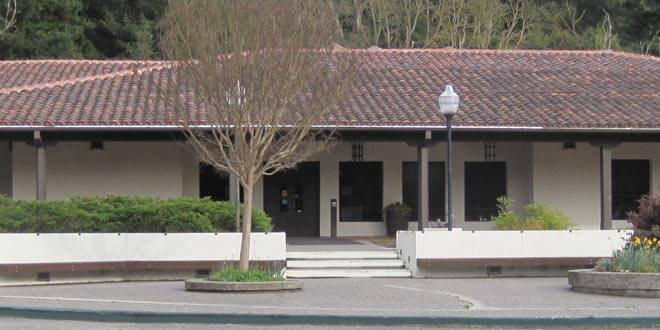 Moraga Library picture