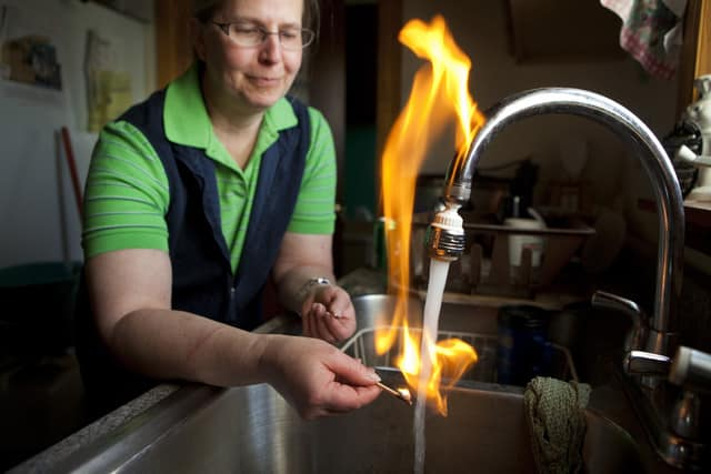 Flammable tap water pollutoin image