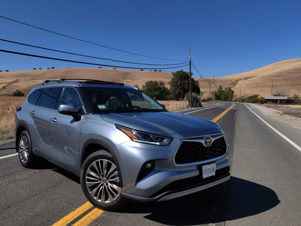 2020 Toyota Highlander: get it, or skip it? | LiveFEED Car Review