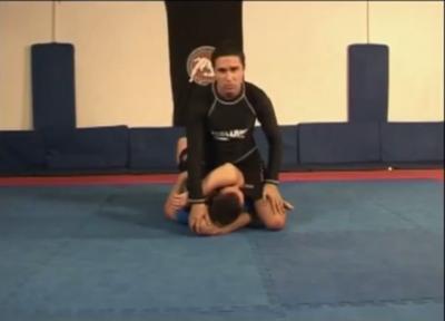 Triangulo con piernas desde posicion montado on vimeo