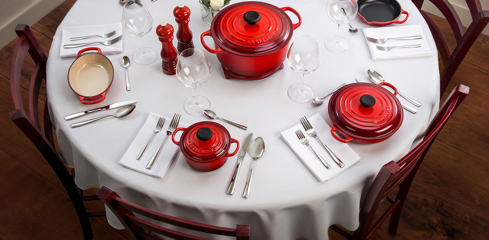 Le Creuset table setting