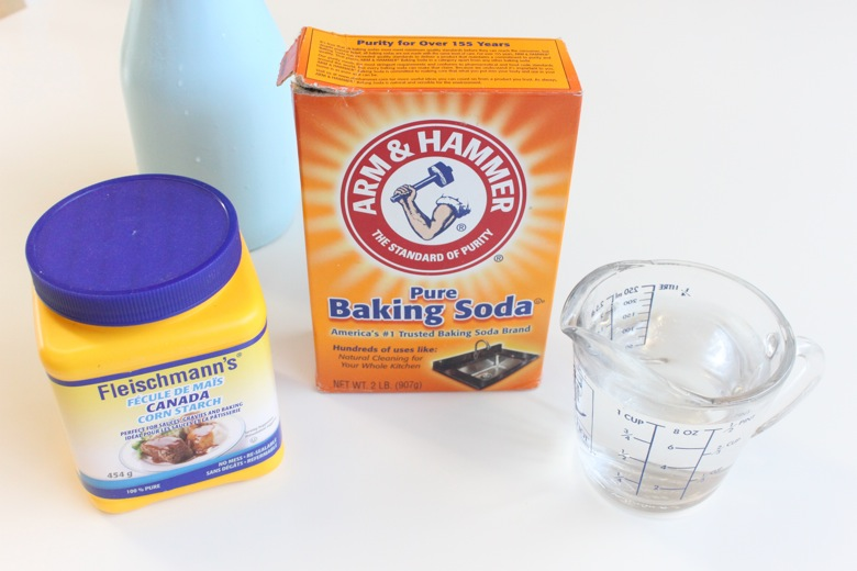 Homemade Air-Dry Modelling Clay {aka baking soda clay} - Mama Papa
