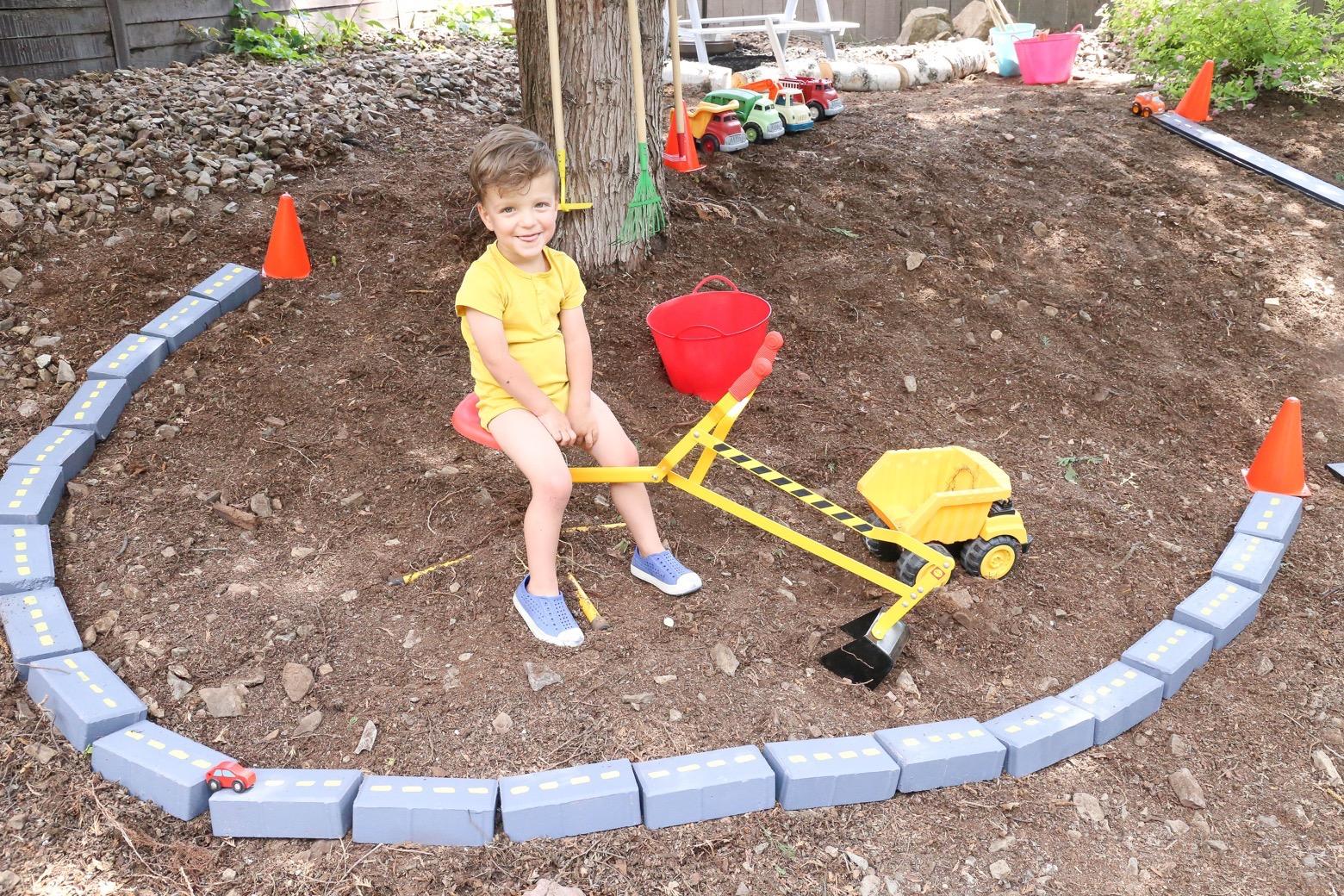 Backyard Truck Garden | Mama.Papa.Bubba.