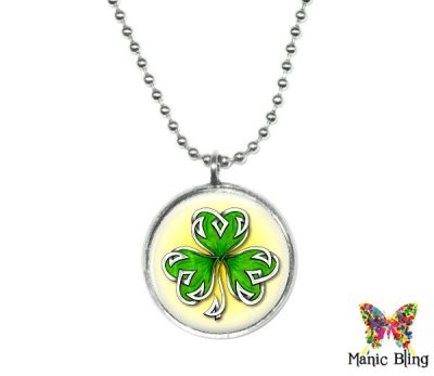 Celtic Clover Pendant Small