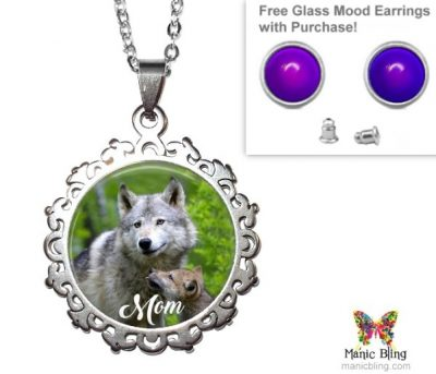 Wolf Mom Pendant Mother's Day