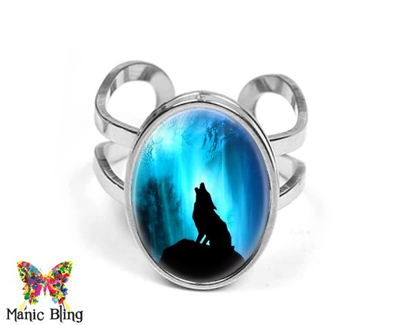 Howling Wolf Oval Ring Rings
