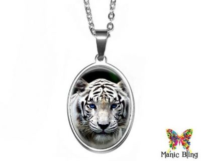 White Tiger Oval Pendant 18x25mm oval