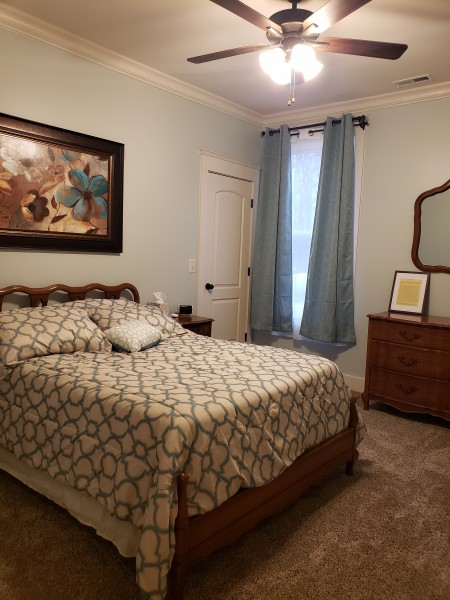 Guest bedroom (or future kids' room)