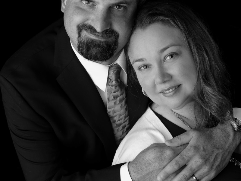 Formal photo from family photo shoot for parent's anniversary