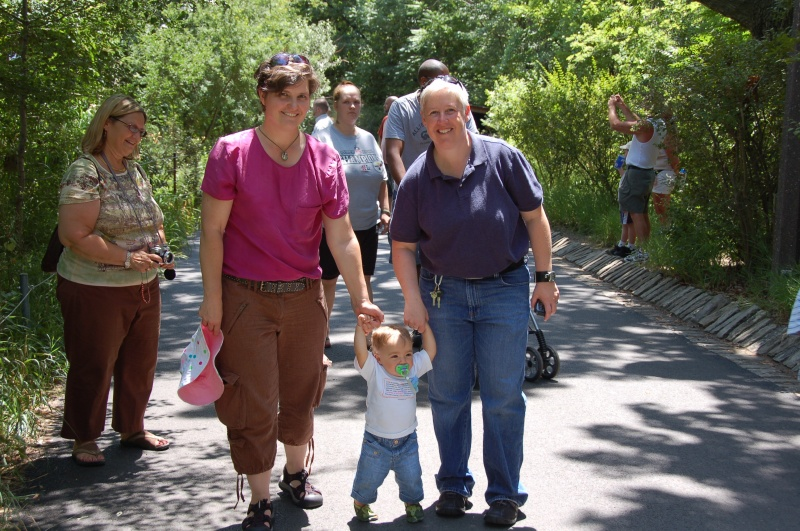 First-ever Zoo Trip for Kestin