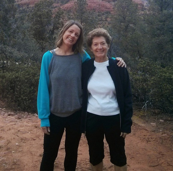 Ronie and her mom in Arizona
