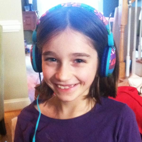 Fam-nora-earphones