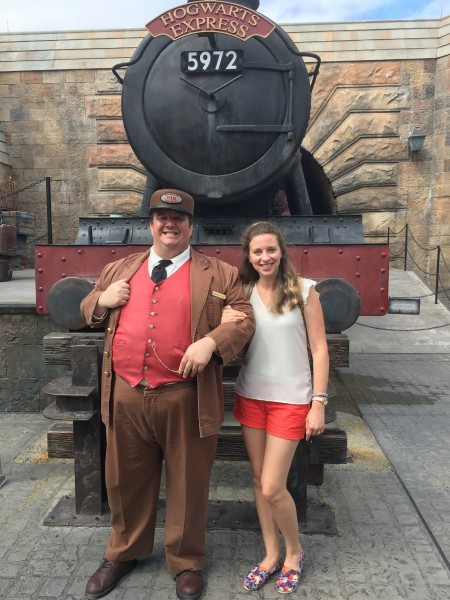 Uhm, yes, I want a picture in front of the Hogwarts Express!!
