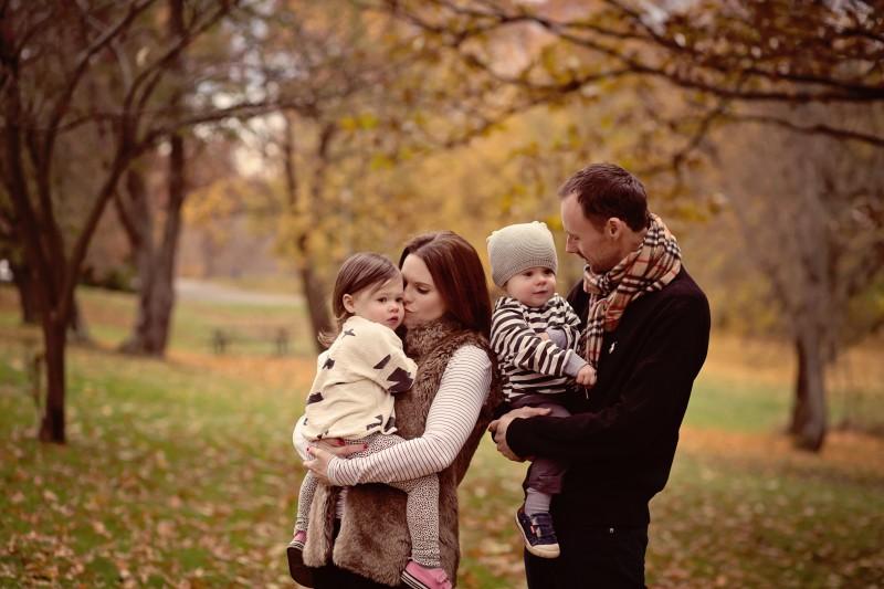 Family photo shoot, kids age 2